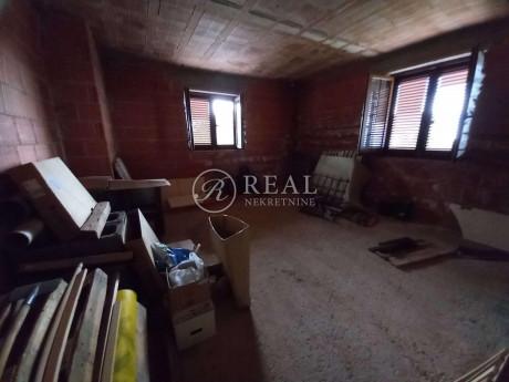 House, 250m², Plot 860m²