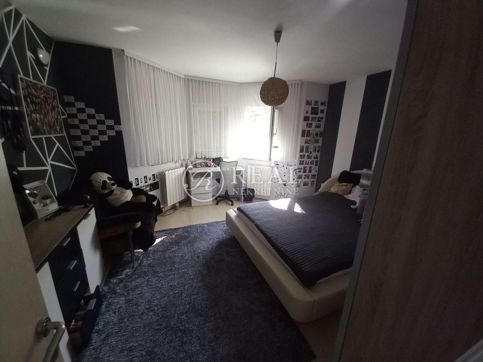 House, 250m², Plot 700m²