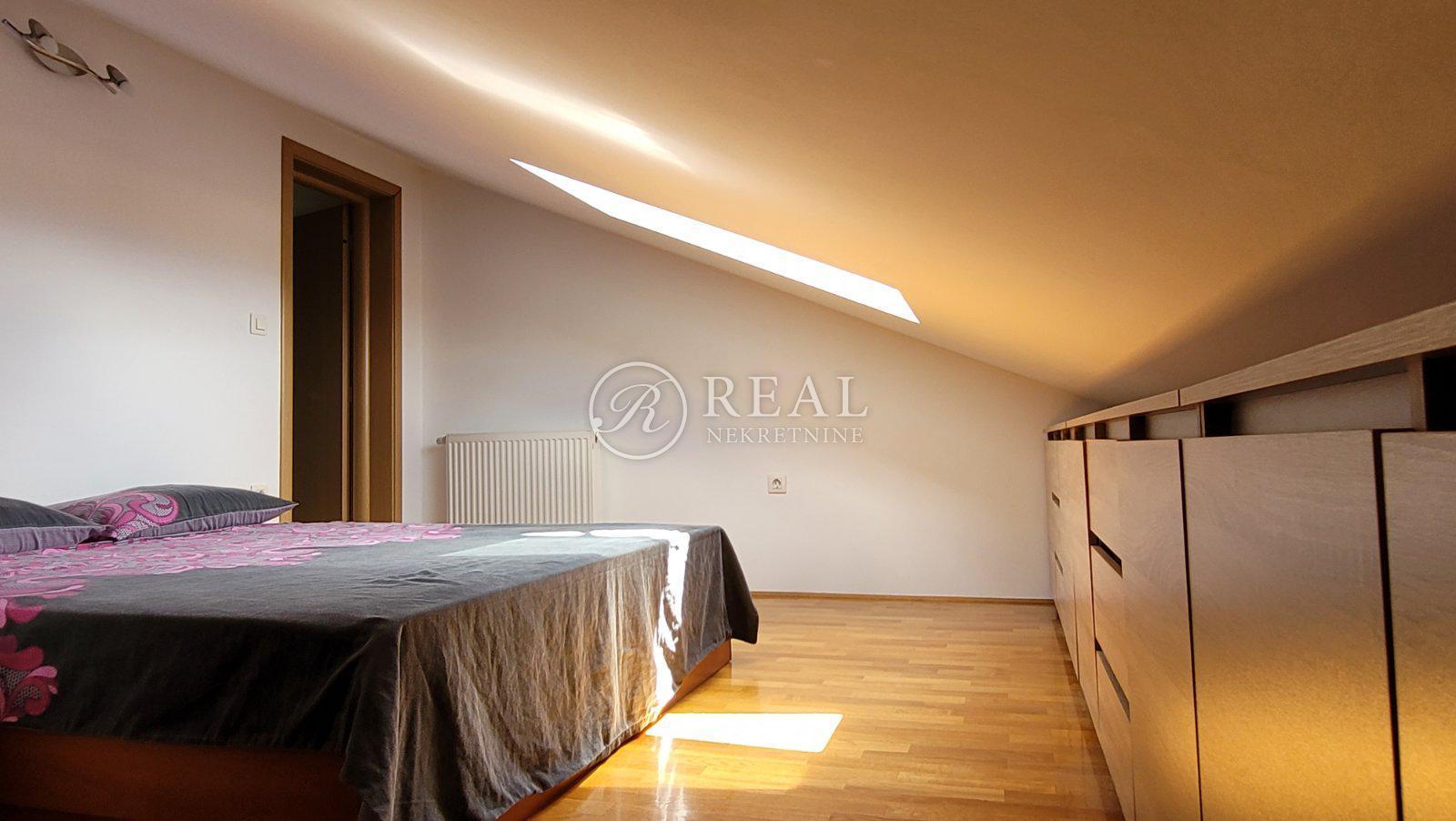 4 rooms, Apartment, 109m², 2 Floor