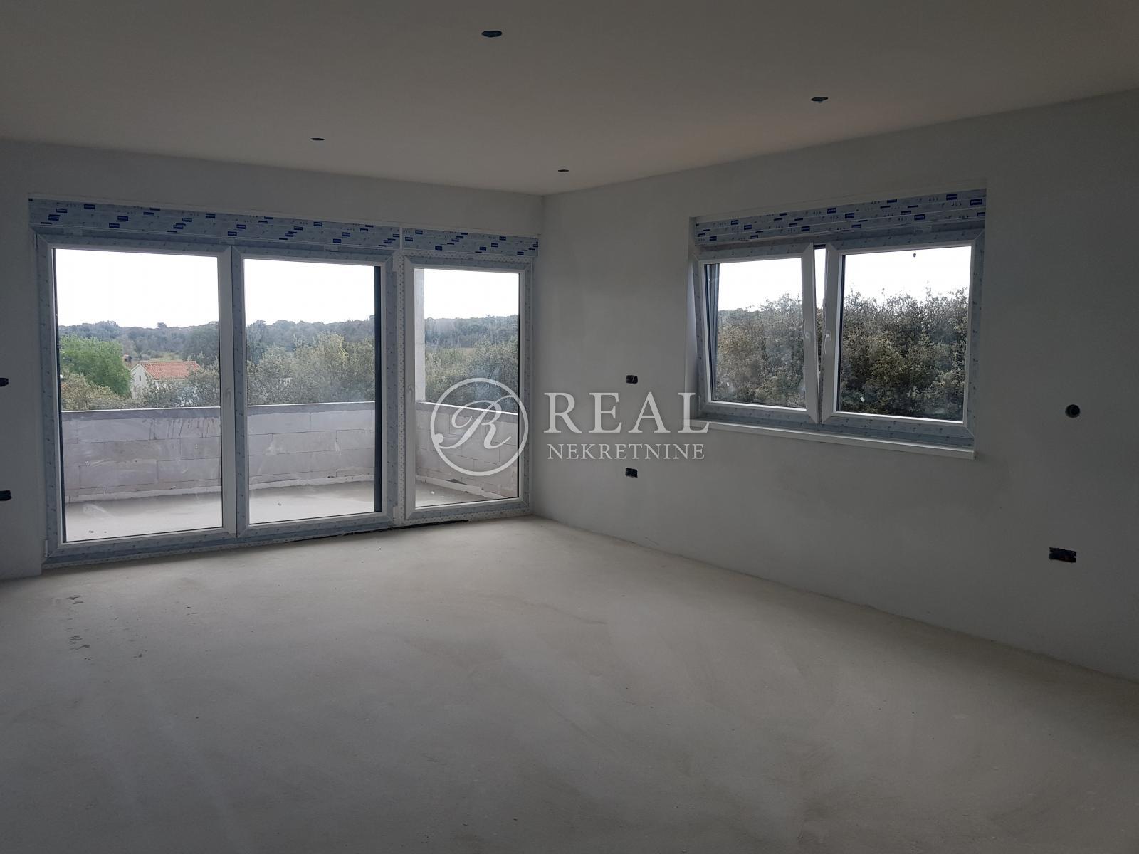 3 rooms, Apartment, 95m², 2 Floor