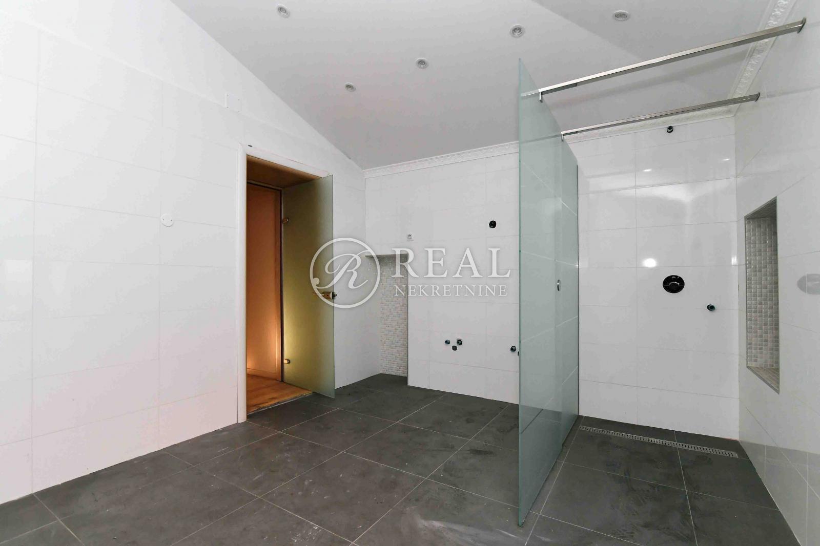 5 rooms, Apartment, 181m²
