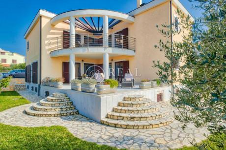 House, 350m², Plot 600m²
