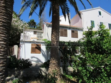 House, 114m², Plot 155m²