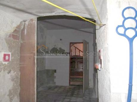 House, 179m², Plot 25m²