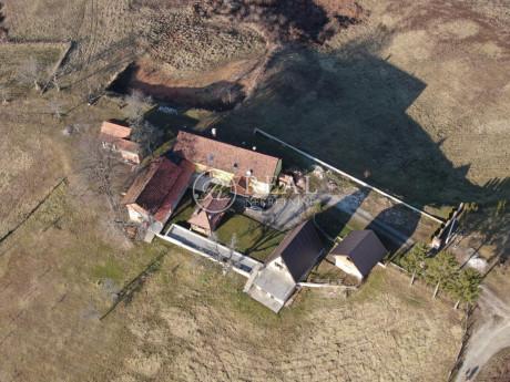 House, 580m², Plot 115000m²