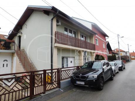 House, 260m², Plot -m²