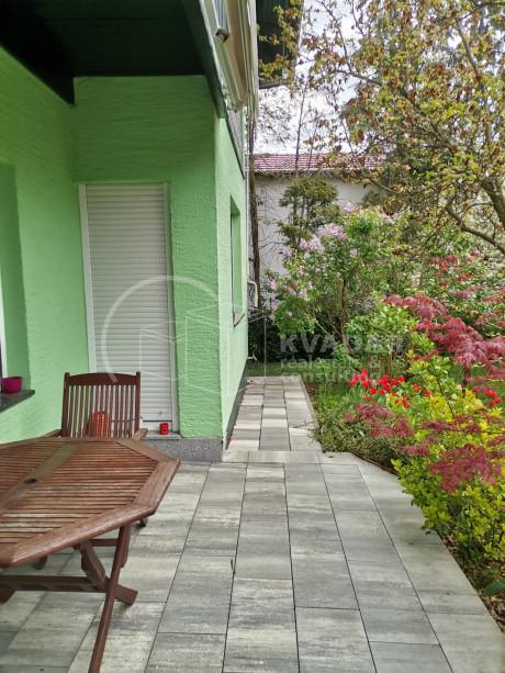 House, 180m², Plot 1088m²