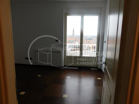 4 rooms, Apartment, 100m², 5 Floor