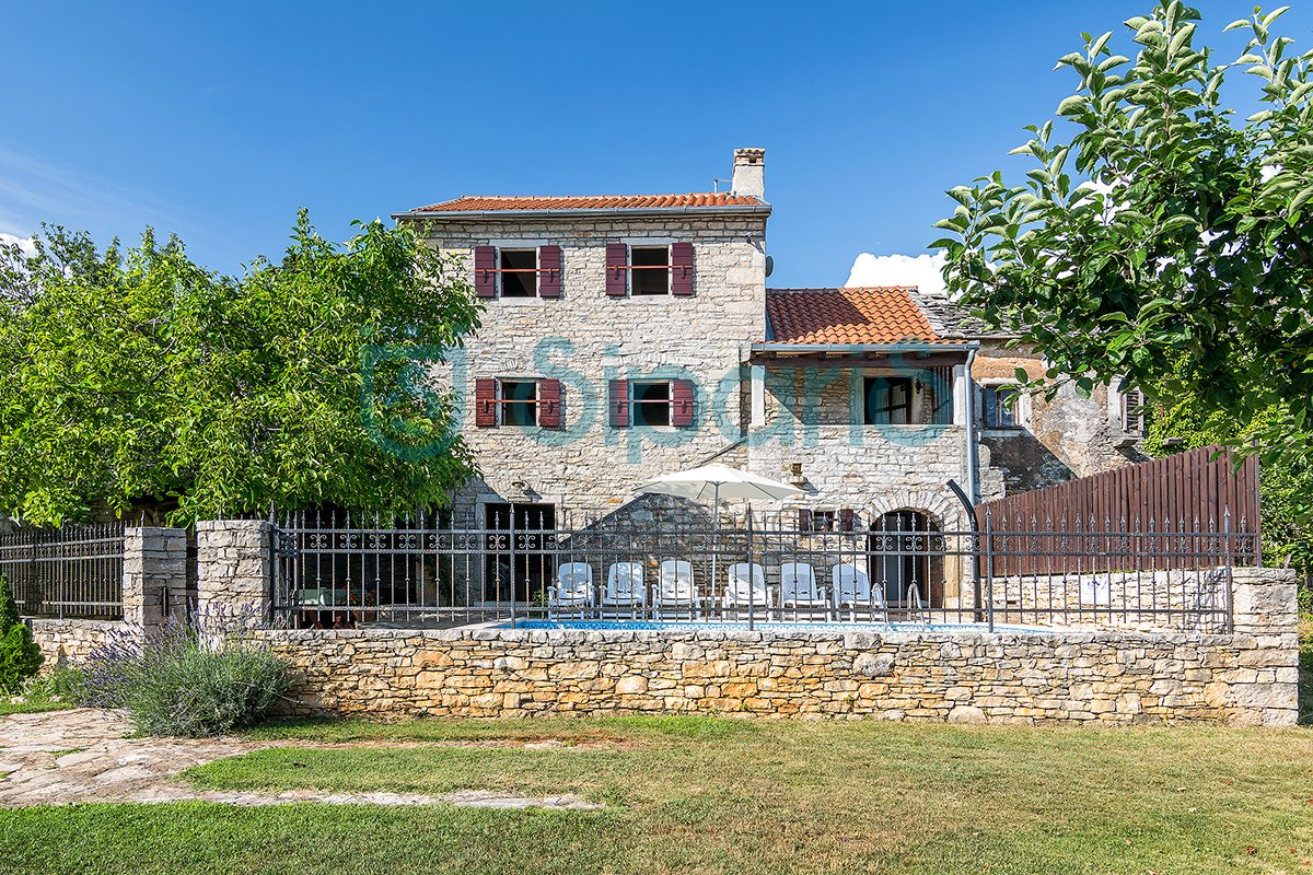 House, 120m², Plot 700m²