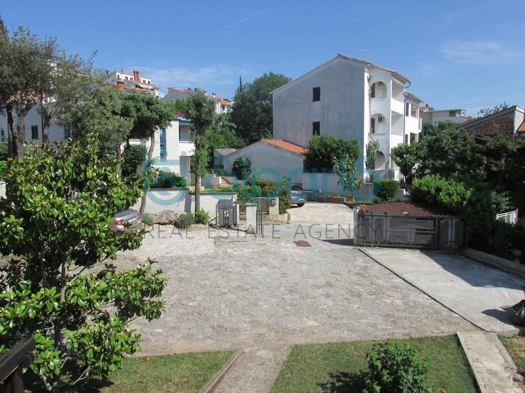 House, 210m², Plot 1200m²