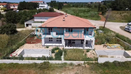 House, 180m², Plot 200m²