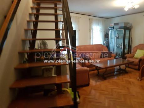 House, 120m², Plot -m²