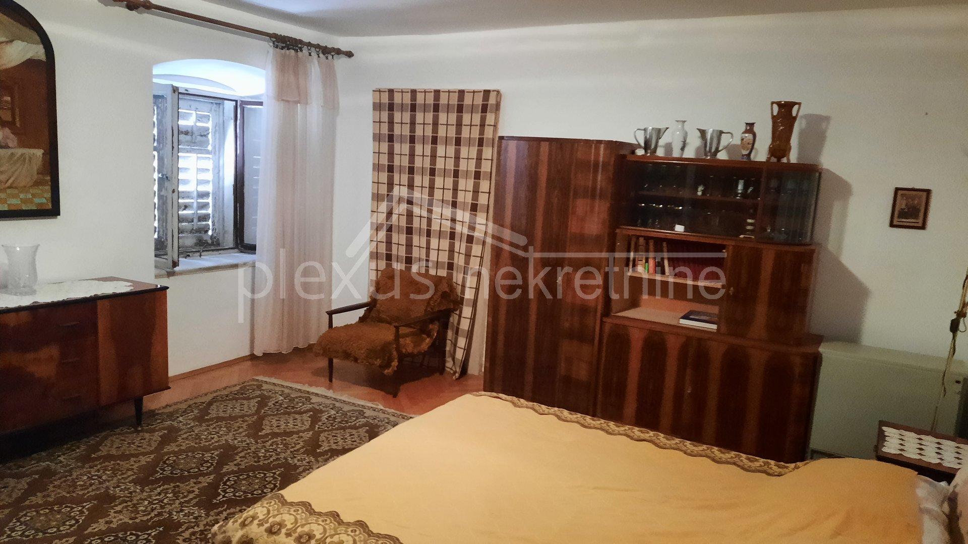 5 rooms, Apartment, 226m², 3 Floor