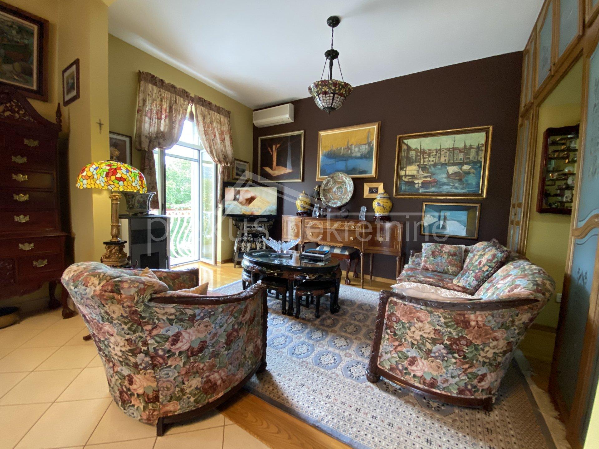 2 rooms, Apartment, 102m², 2 Floor