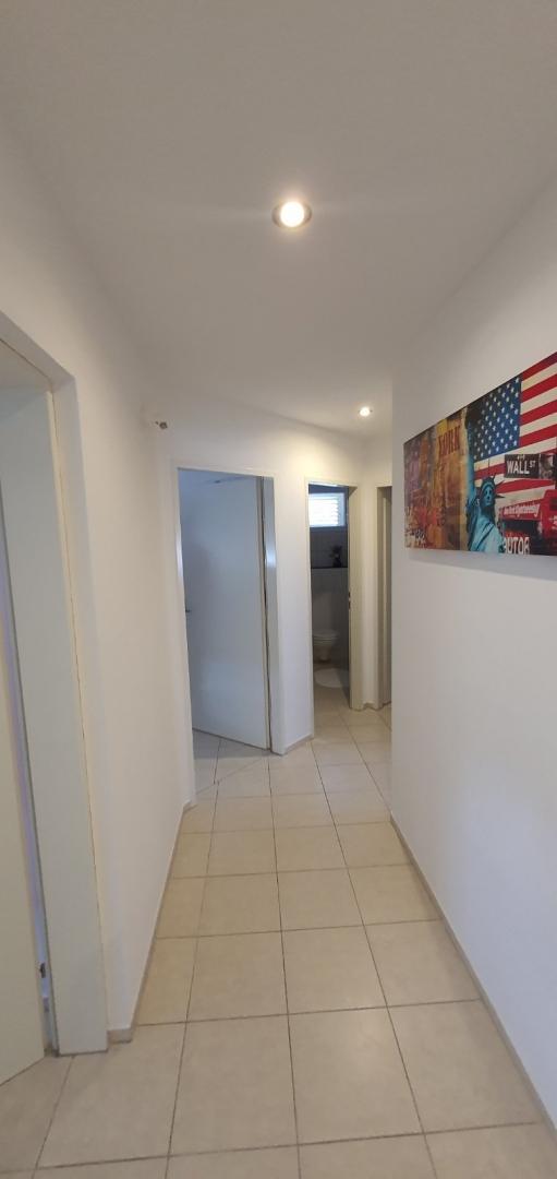House, 248m², Plot 565m²