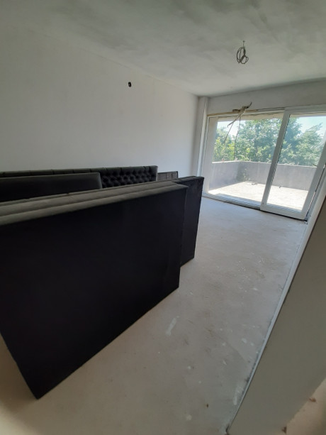 House, 320m², Plot 403m²