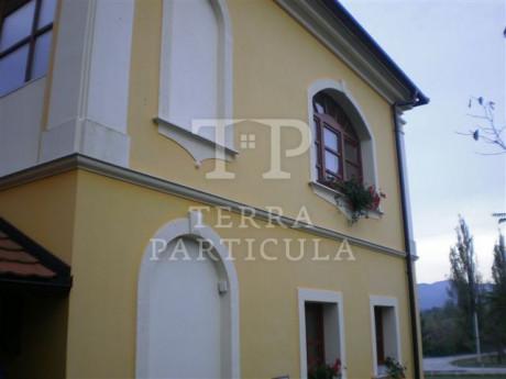 House, 240m², Plot 12489m²