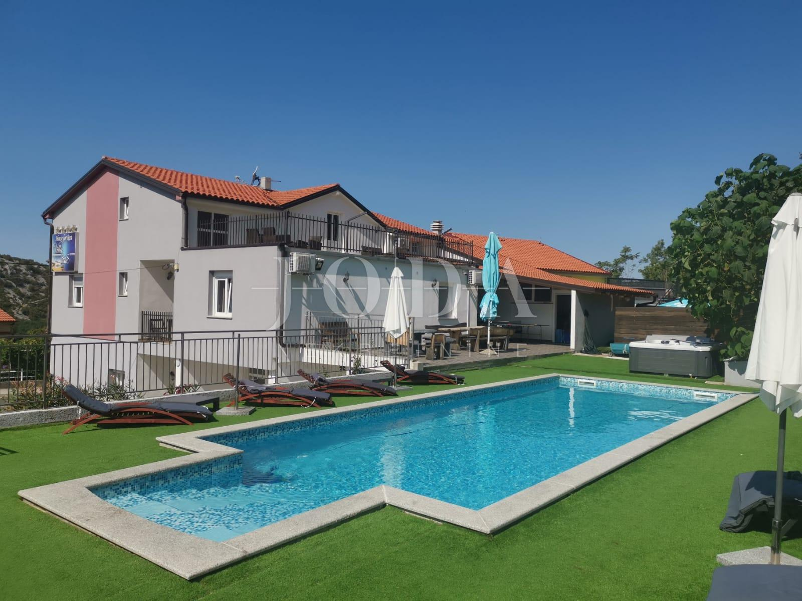 House, 600m², Plot 1200m²