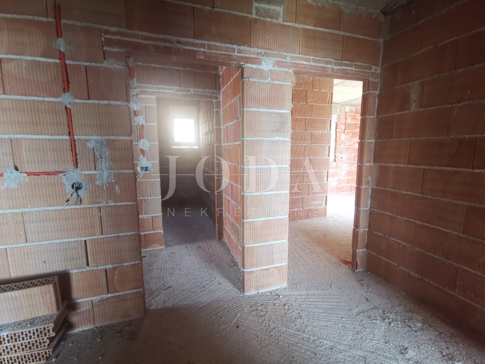 House, 300m², Plot 510m²