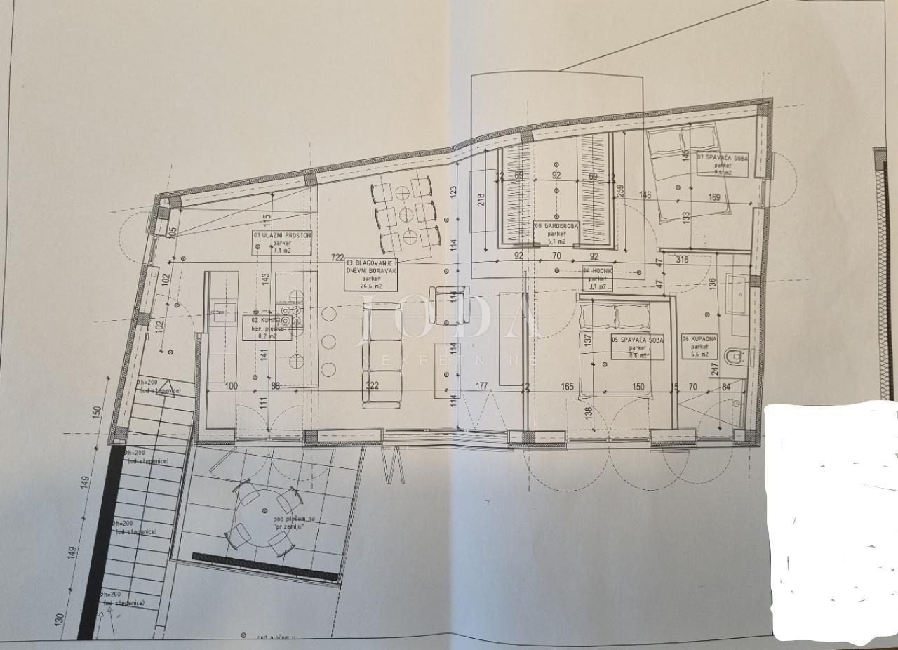 House, 360m², Plot 180m²