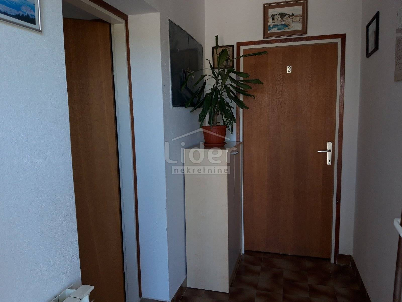 House, 364m², Plot 841m²