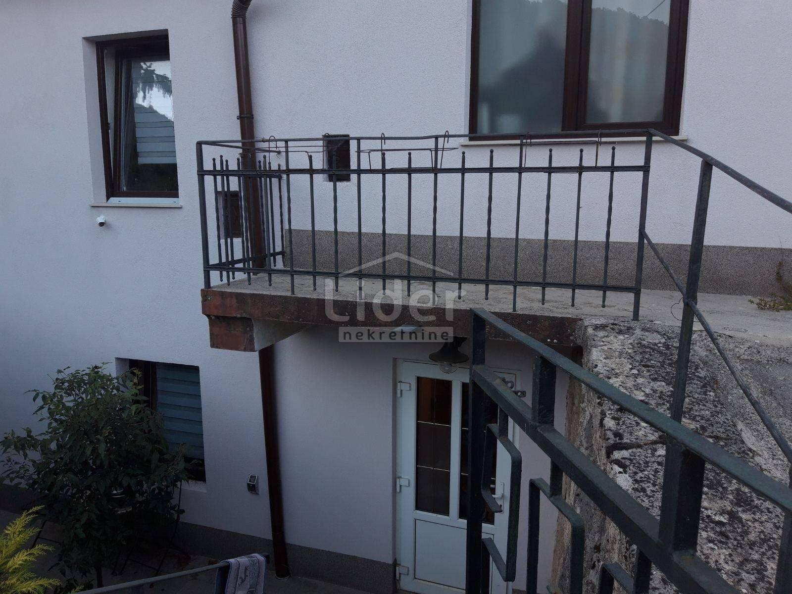 House, 165m², Plot 662m²