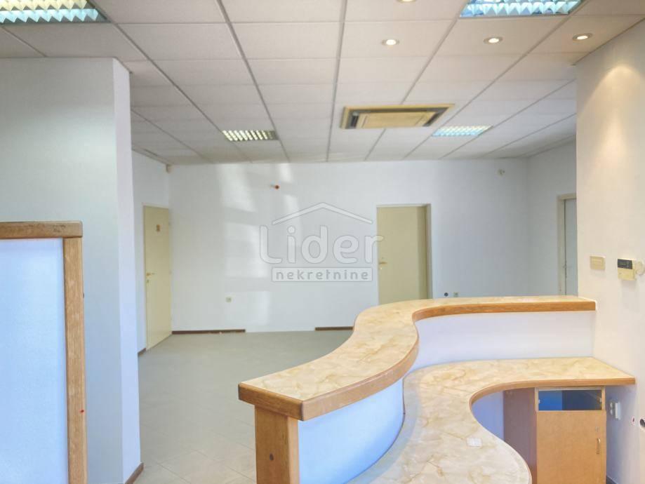 130m², Office, 1 Floor