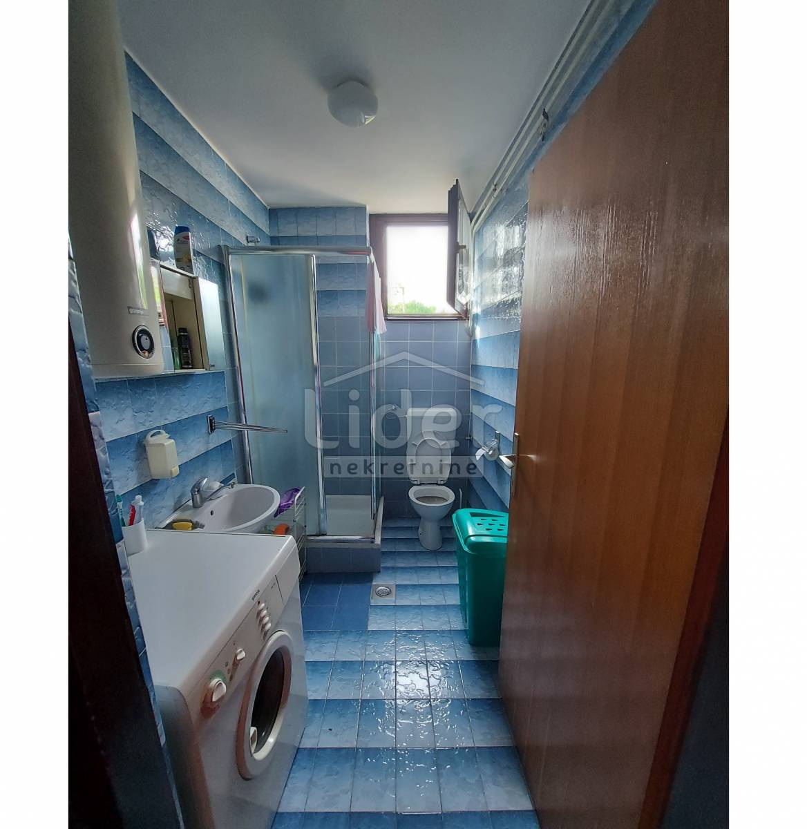 House, 300m², Plot 700m²
