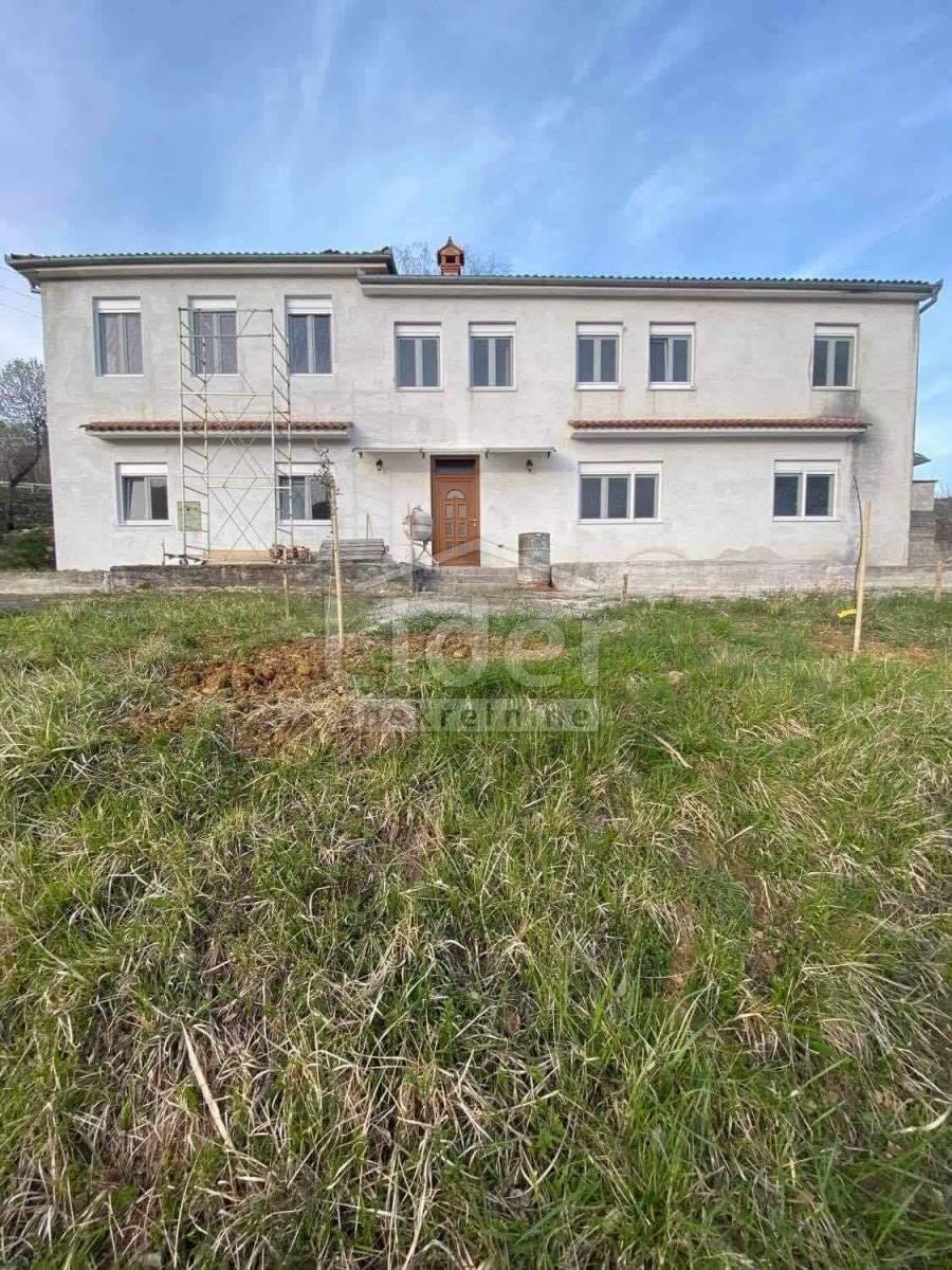 House, 300m², Plot 5300m²