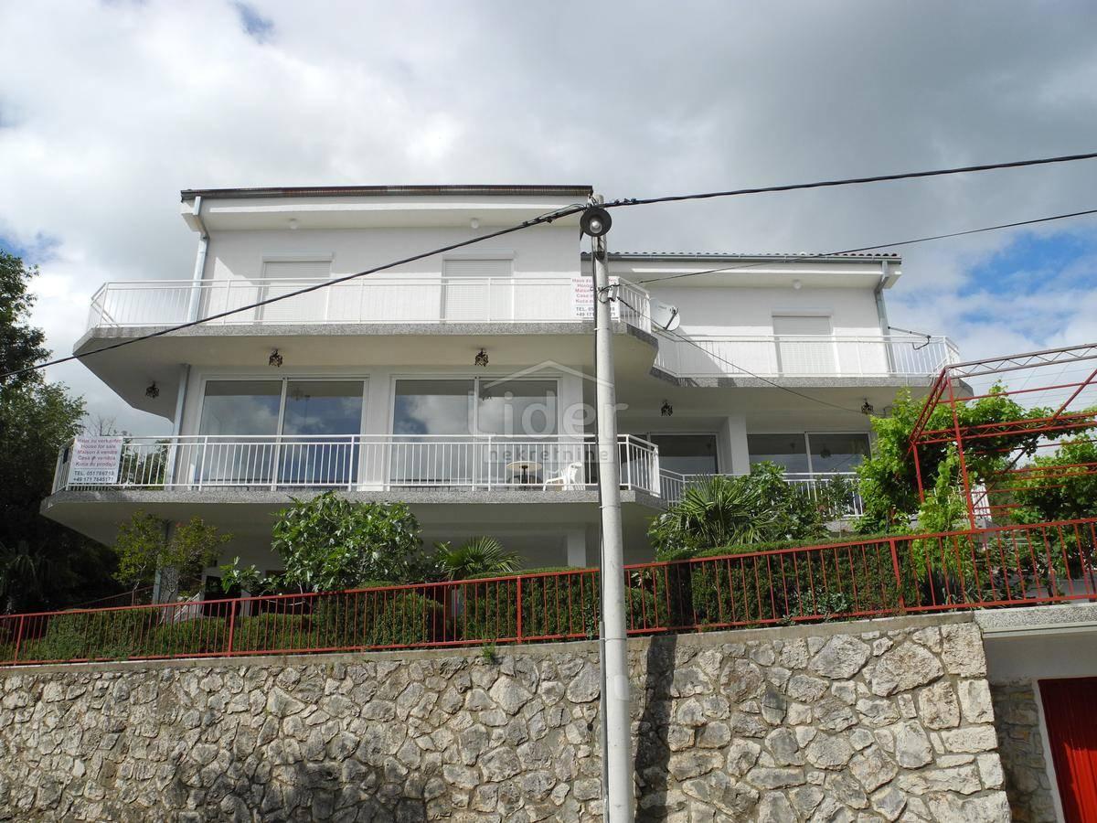 House, 1200m², Plot 2000m²