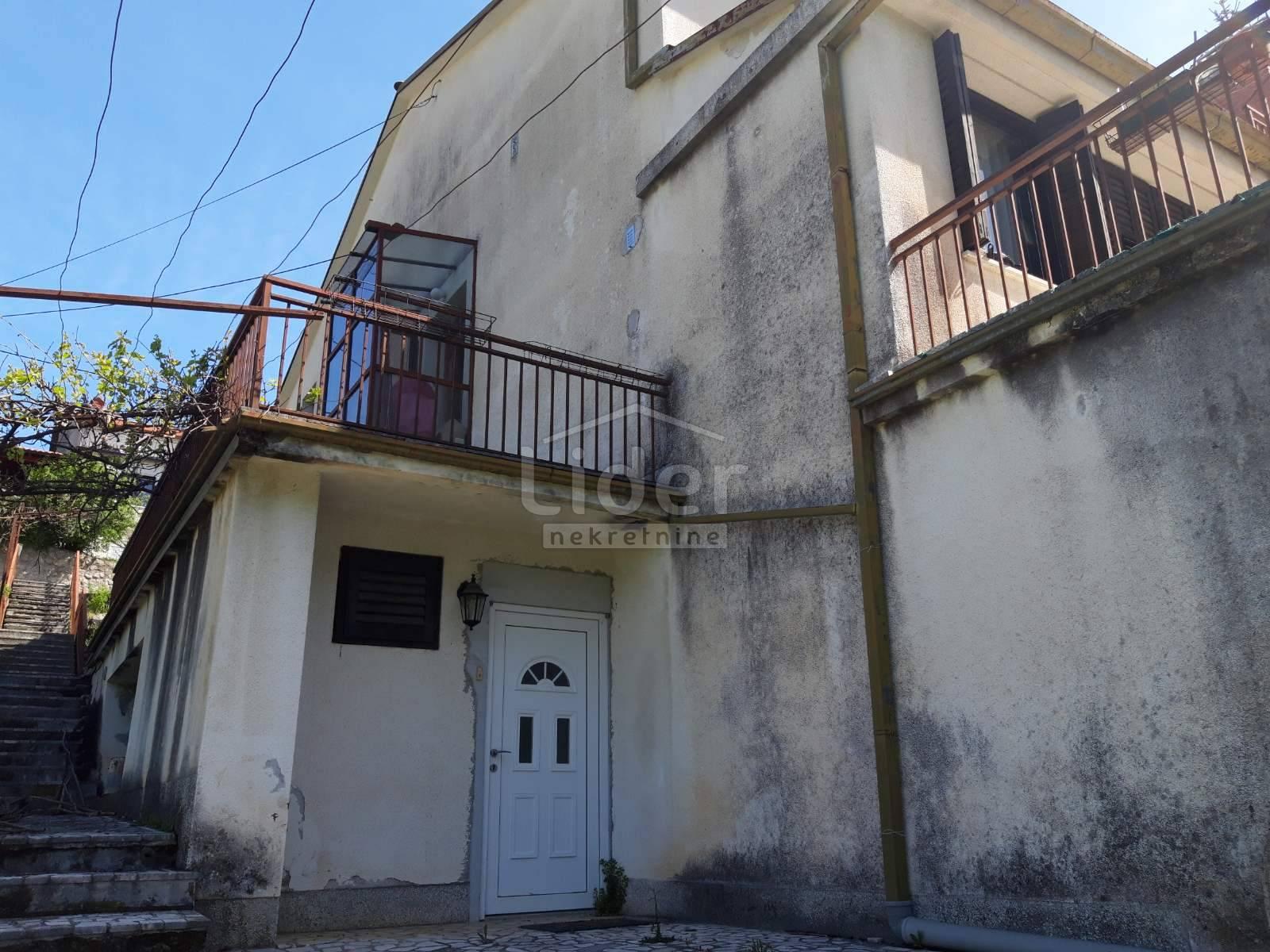 House, 526m², Plot 1300m²