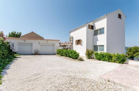 House, 290m², Plot 0m²
