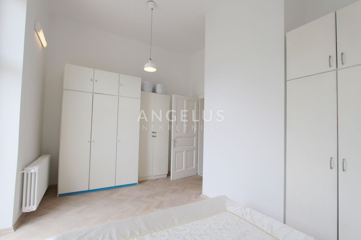 3 rooms, Apartment, 130m², 1 Floor