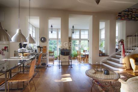 House, 450m², Plot 600m²