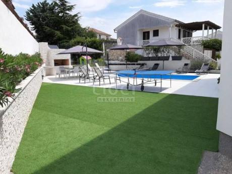 House, 170m², Plot 598m²