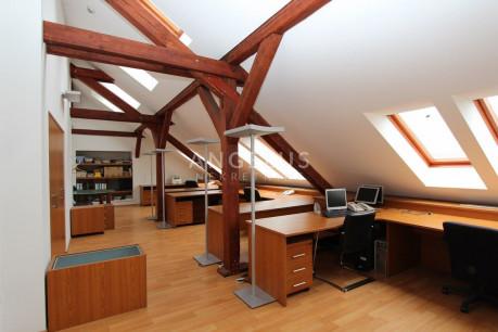 110m², Office