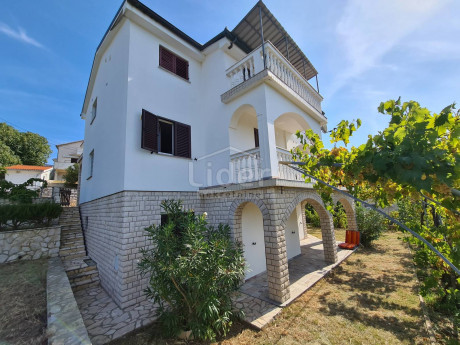 House, 285m², Plot 546m²
