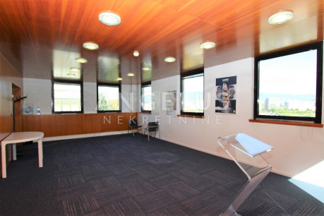 800m², Office, 3 Floor