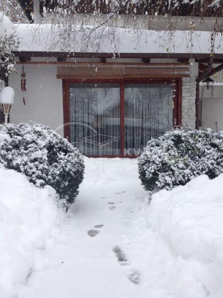 House, 174m², Plot -m²