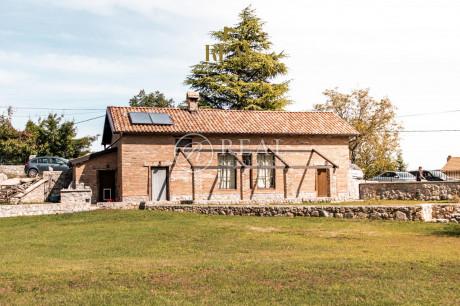 House, 511m², Plot 4200m²