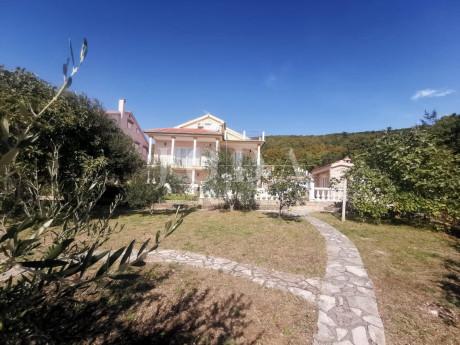 House, 399m², Plot 1506m²
