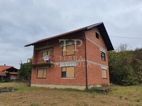 House, 160m², Plot 1619m²