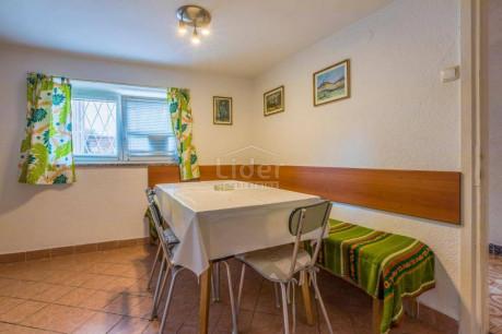 House, 160m², Plot 0m²