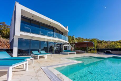 House, 300m², Plot 638m²