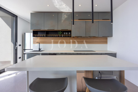 House, 250m², Plot 577m²