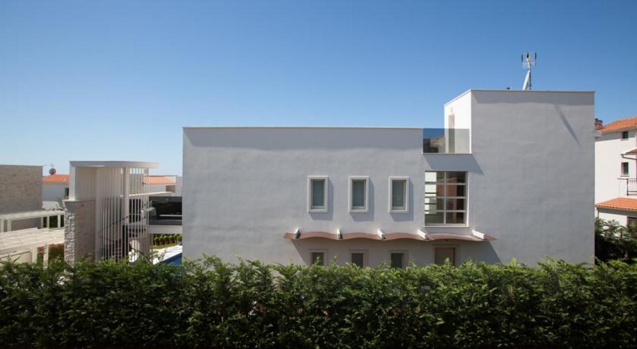 House, 237m², Plot 600m²