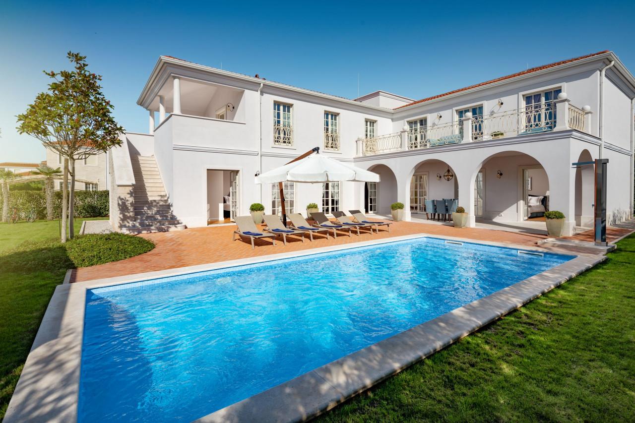 House, 348m², Plot 800m²