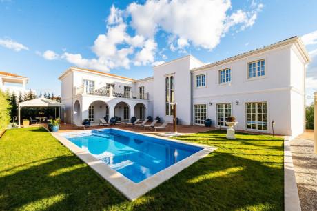Haus, 401m², Grundstück 900m²